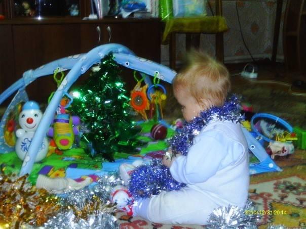 Как украсить елку для маленького ребенка? | рутвет - найдёт ответ!