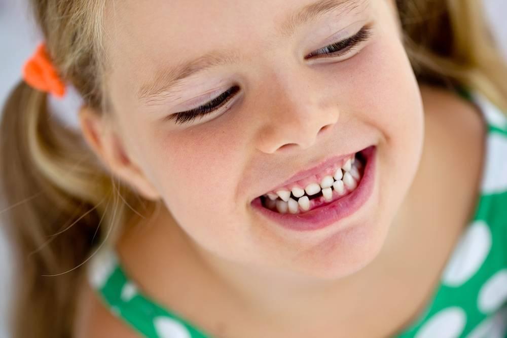 Почему ребенок ночью скрипит зубами: причины и последствия бруксизма