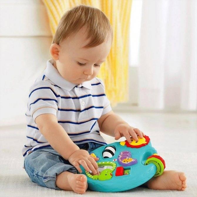 Развивающие игры для ребенка 8 месяцев: какие нужны для мальчика и девочки