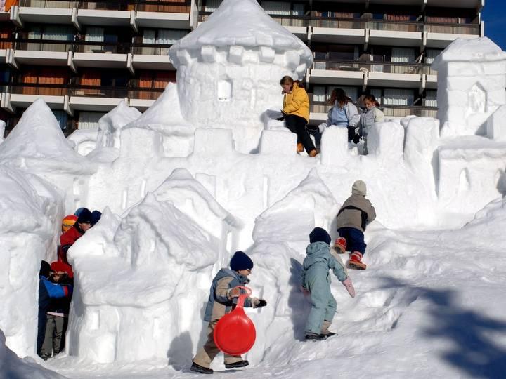 Сценарий зимнего развлечения для детей подготовительной группы «русские народные игры»