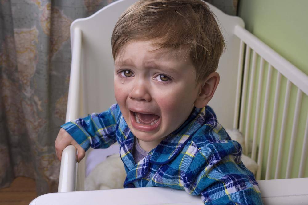 Ребенок просыпается ночью с истерикой (ночные истерики у ребенка)