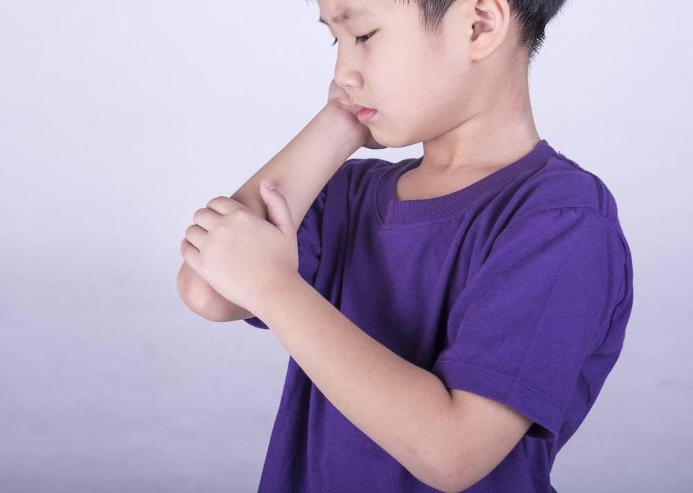 Почему болят ноги у ребенка