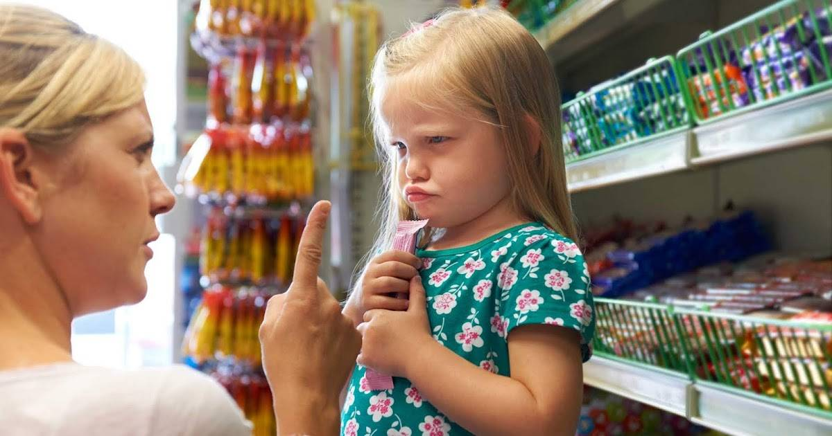 Почему ребенок не слушается, устраивает истерики? 3 истории
