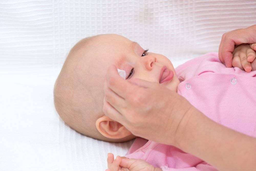 Уход за кожей и слизистыми новорожденного