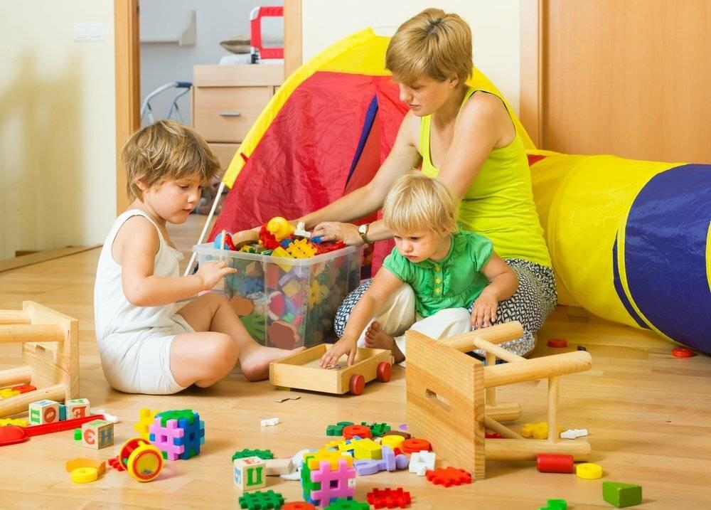 Сколько сейчас платят няням в детском саду и почему туда кроме пенсионерок никто не идет