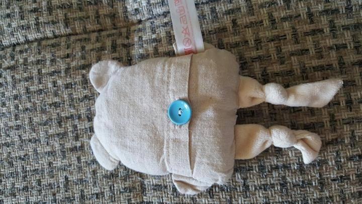Как правильно применять грелку от колик у новорождённого, отзывы мам + видео