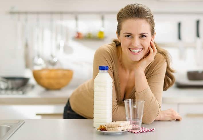 Можно ли кормящей маме пить кефир