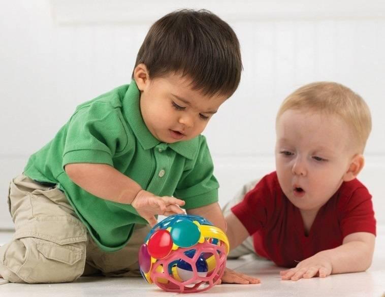 Должен ли ребенок делиться или ребенок жадина?