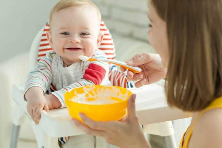 Ребенок не хочет есть прикорм (не ест кашу), отказывается есть с ложки