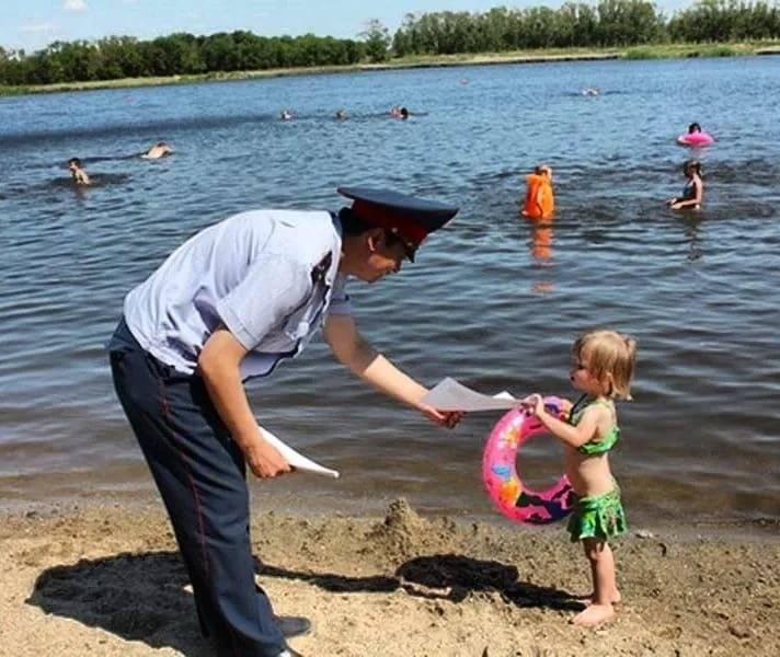 Создайте безопасность для вашего ребенка на пляже