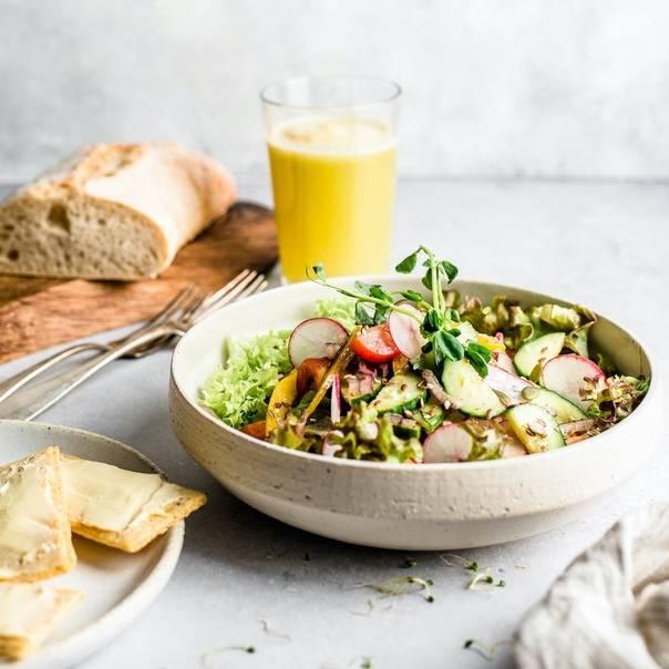 Салаты при гв: какие блюда можно кормящей маме