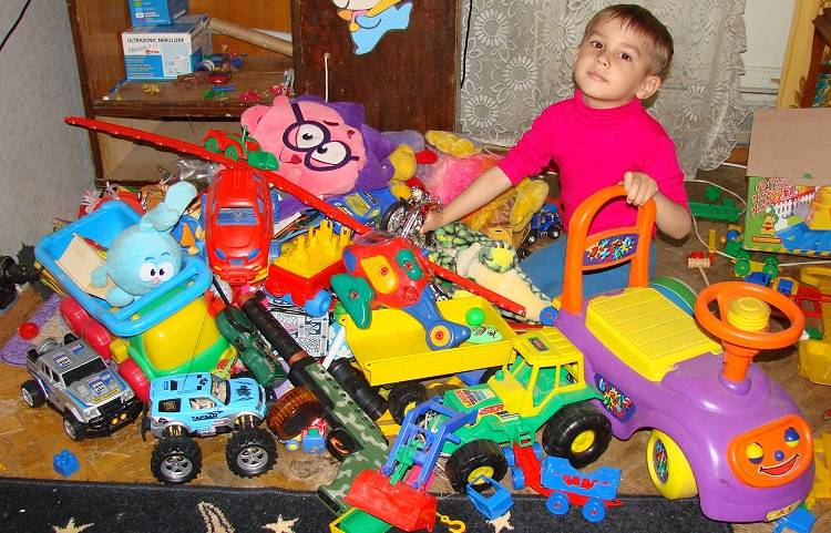 Что подарить мальчику на 2 года: 100 креативных идей