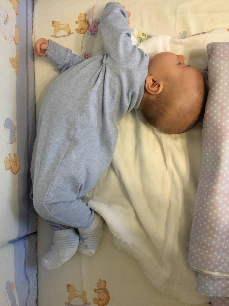 Почему малыш запрокидывает голову назад и выгибается ~ детская городская поликлиника №1 г. магнитогорска