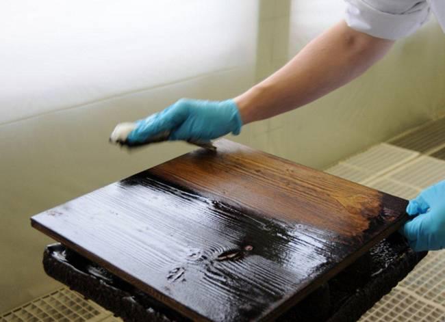 Как отреставрировать деревянную кровать?