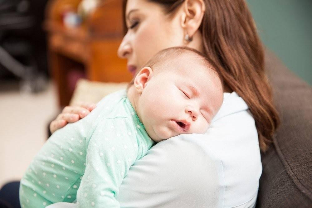 Как отучить ребенка от укачивания и уложить спать без слез и истерик