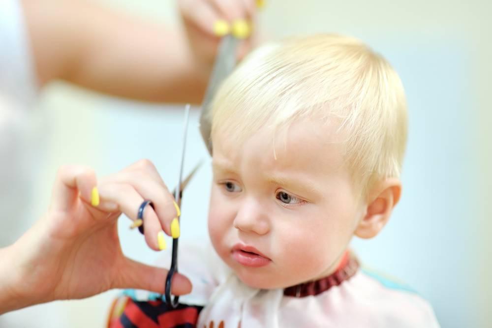 Нужно ли стричь ребенка в год? зачем детей стригут в год?