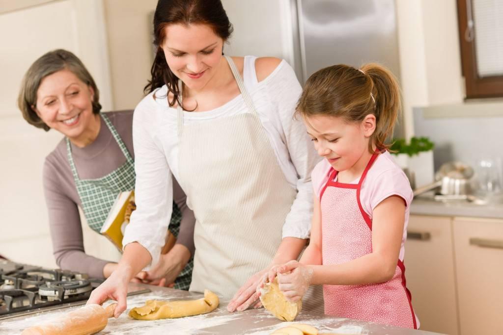 Приучаем детей помогать по дому