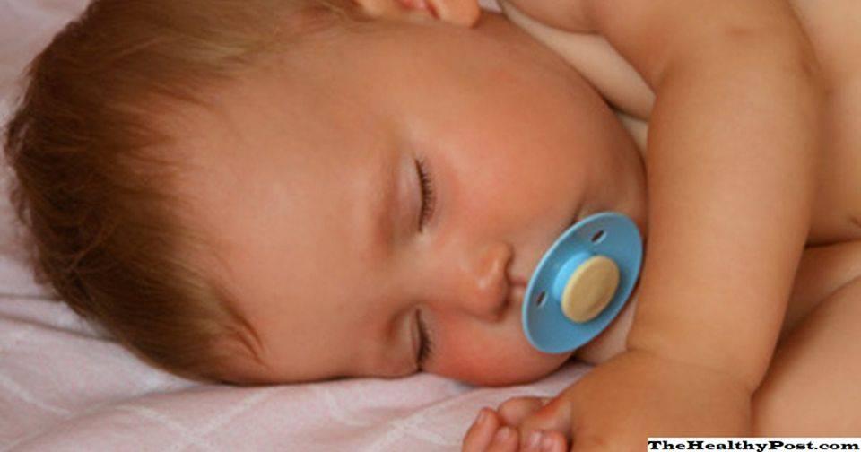 Развитие ребенка в 10 месяцев: рост, вес, питание, сон, игры