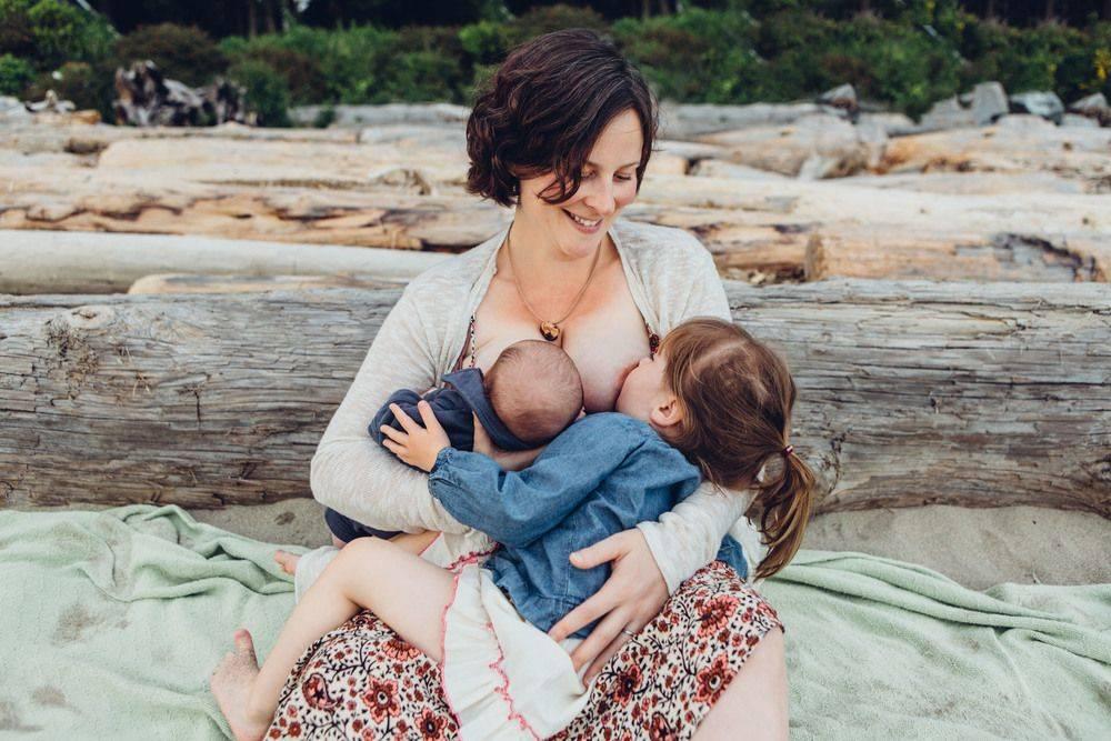 Индуцированная лактация: кормление грудью приемного ребенка