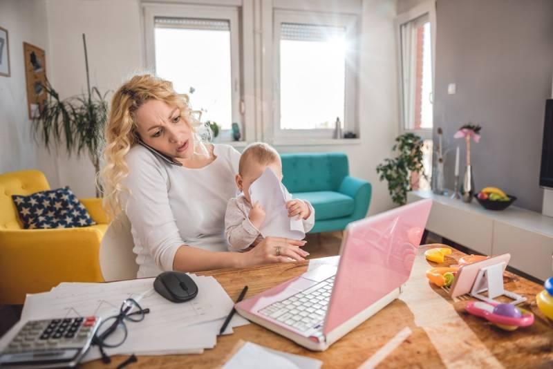 15 эффективных способов заработка для мам в декрете
