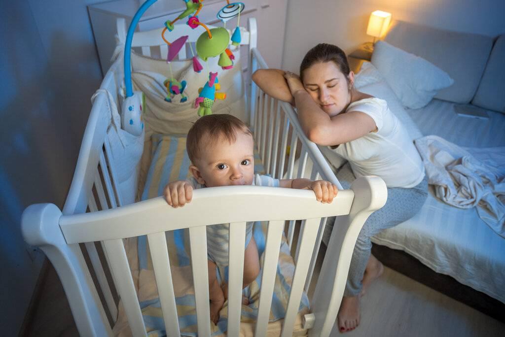 Как правильно приучать ребенка спать отдельно: проверенный способ