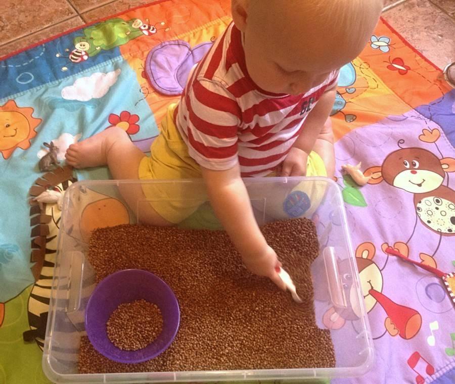 Как играть с ребенком в 6 месяцев: развивающие занятия