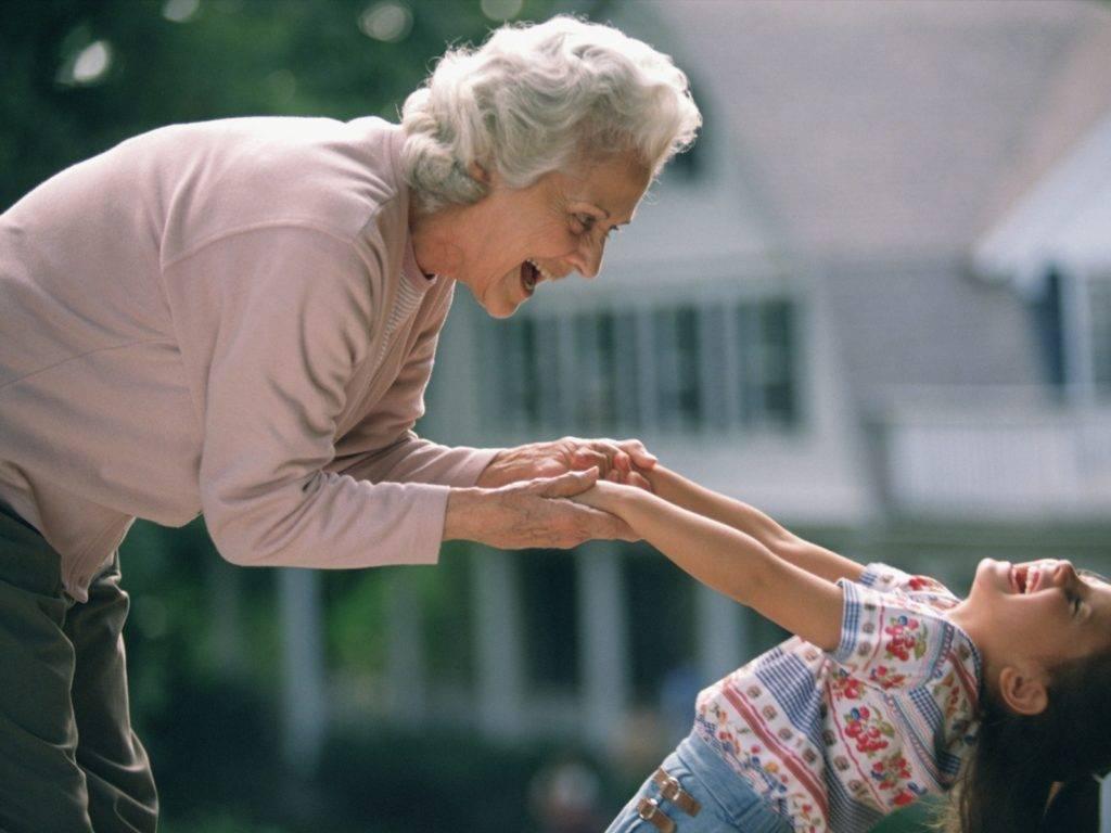 Почему бабушка считает моего ребенка своим: история молодой мамы