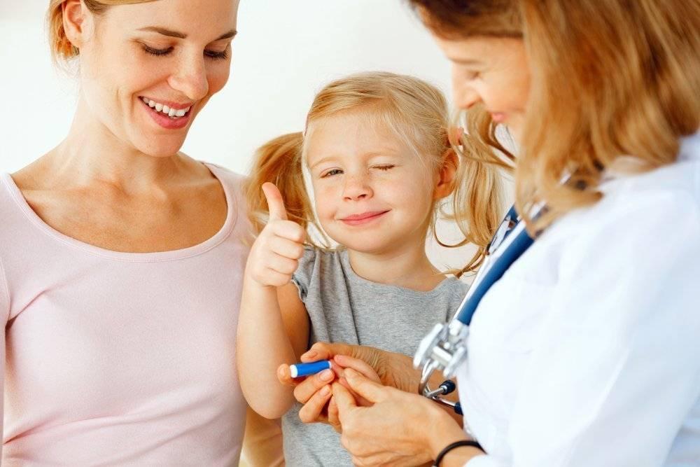 Ребенок боится врачей: что делать, как научить малыша не бояться докторов