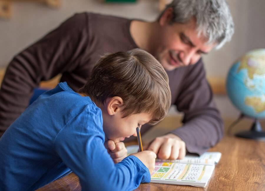 Как заставить ребенка делать уроки? | активная мама