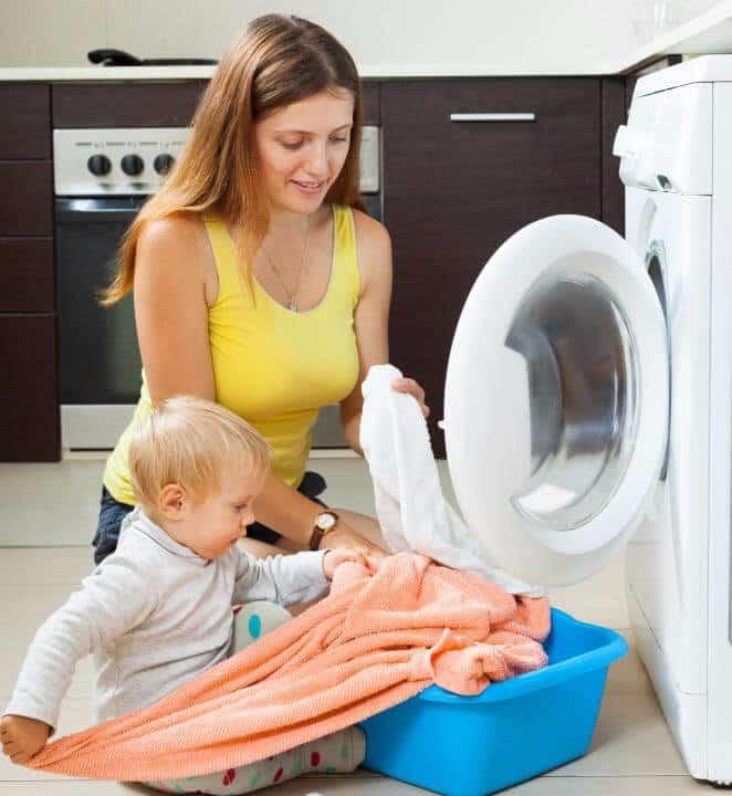 Как и чем стирать детские вещи: выбираем средство для стирки