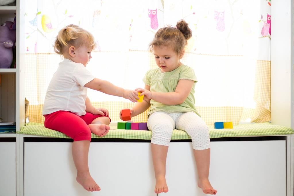 Нужно ли ребенку делиться игрушками и почему ребенок не делится игрушками, что делать в этом случае, рекомендации психолога. ❗️☘️ ( ͡ʘ ͜ʖ ͡ʘ)