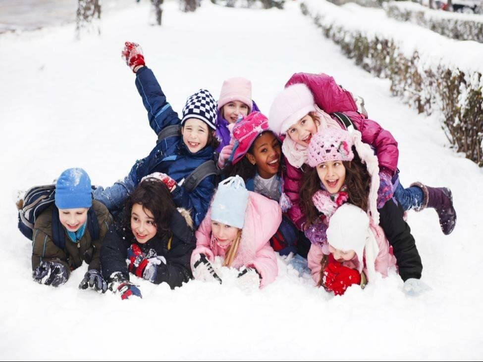 Картотека зимних подвижных игр для детей старшей группы в доу. воспитателям детских садов, школьным учителям и педагогам - маам.ру