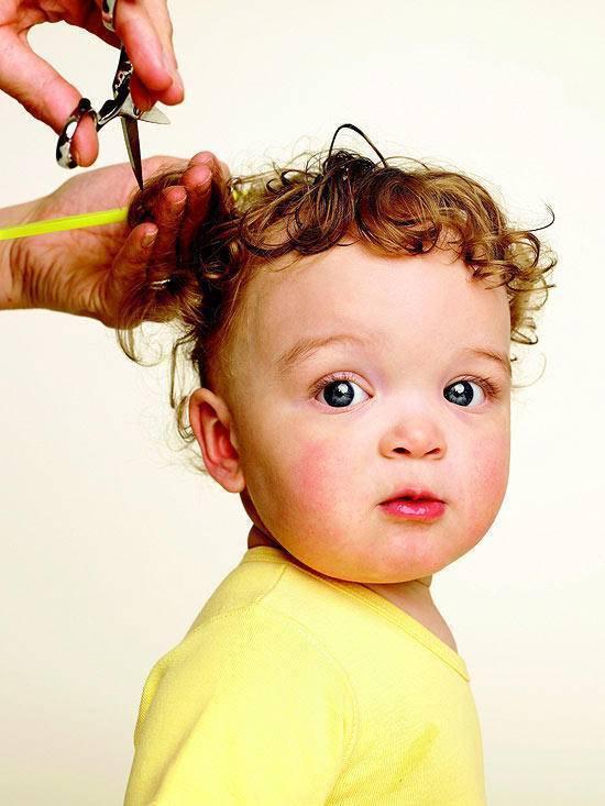 Надо ли стричь ребенка в год налысо?