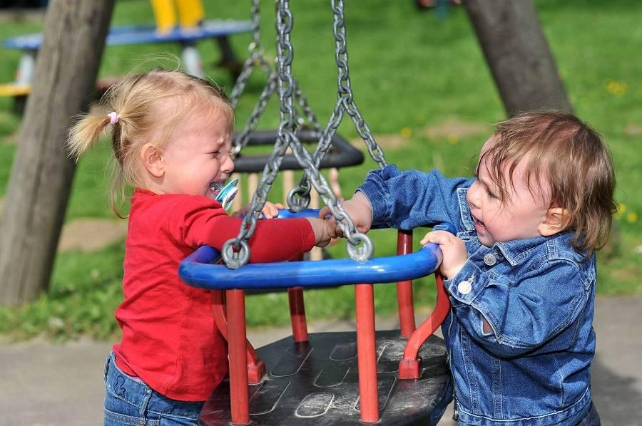 5 советов психолога: что делать, если дети ссорятся на детской площадке