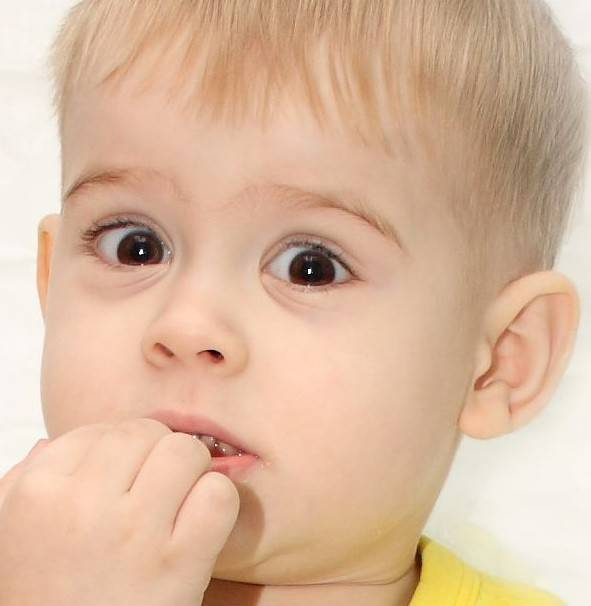 Врач-педиатр рассказала, как отучить ребенка грызть ногти