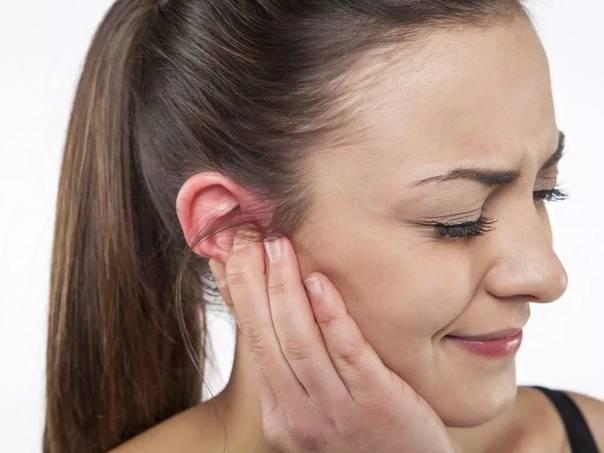 Выделения из уха
