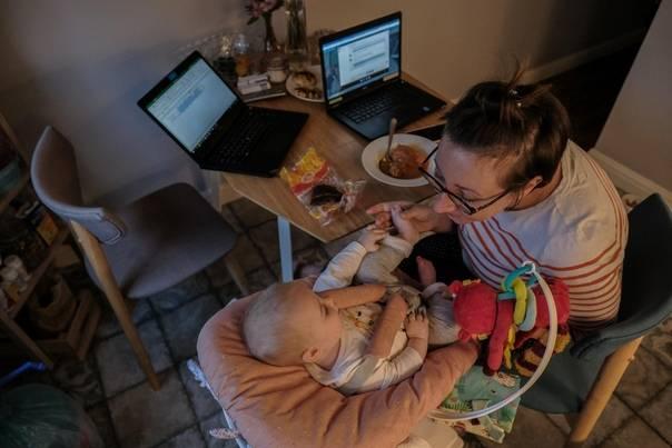 Кто поможет работающей маме?