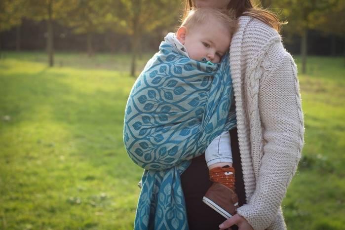Плюсы и минусы слинга для новорождённых