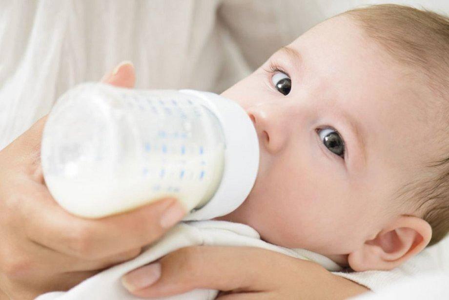 Новорожденный не наедается грудным молоком признаки и что делать