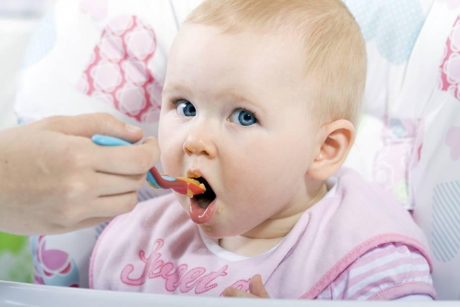 Как определить, что ребенок готов к прикорму — 10 признаков. 10 признаков, что ребенок готов к введению прикорма