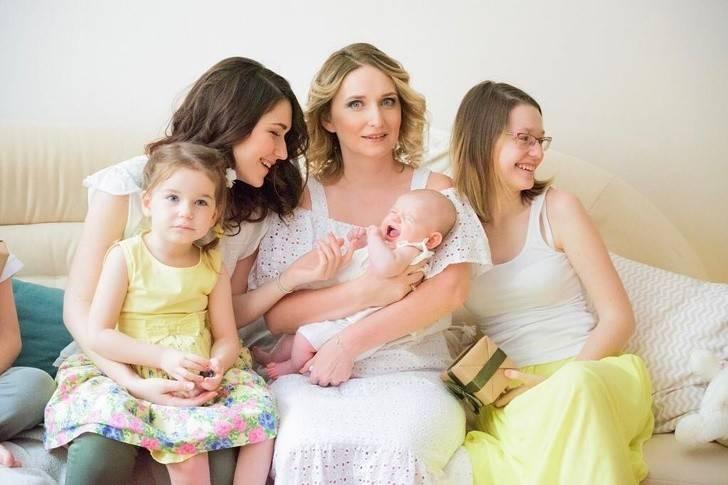 Как мы справляемся с 4 детьми: режим, помощница по хозяйству и гомеопатия
