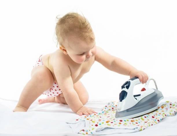 Зачем гладить детские вещи и как правильно это делать?