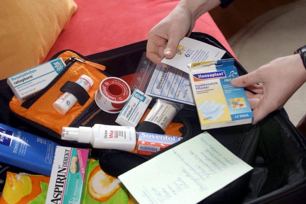 Детская аптечка на море, список лекарств в дорогу