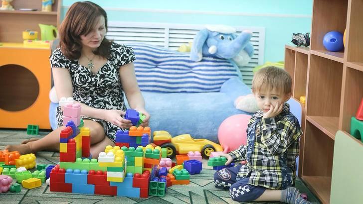 Ребенок не хочет идти в садик: причины, что делать, когда отдавать детей в детский сад
