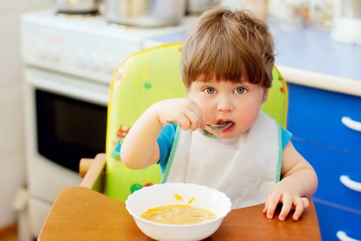Как сходить в гости с ребенком до года