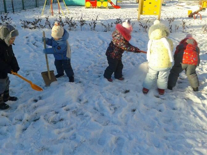 Развлечение на улице «зимние забавы»