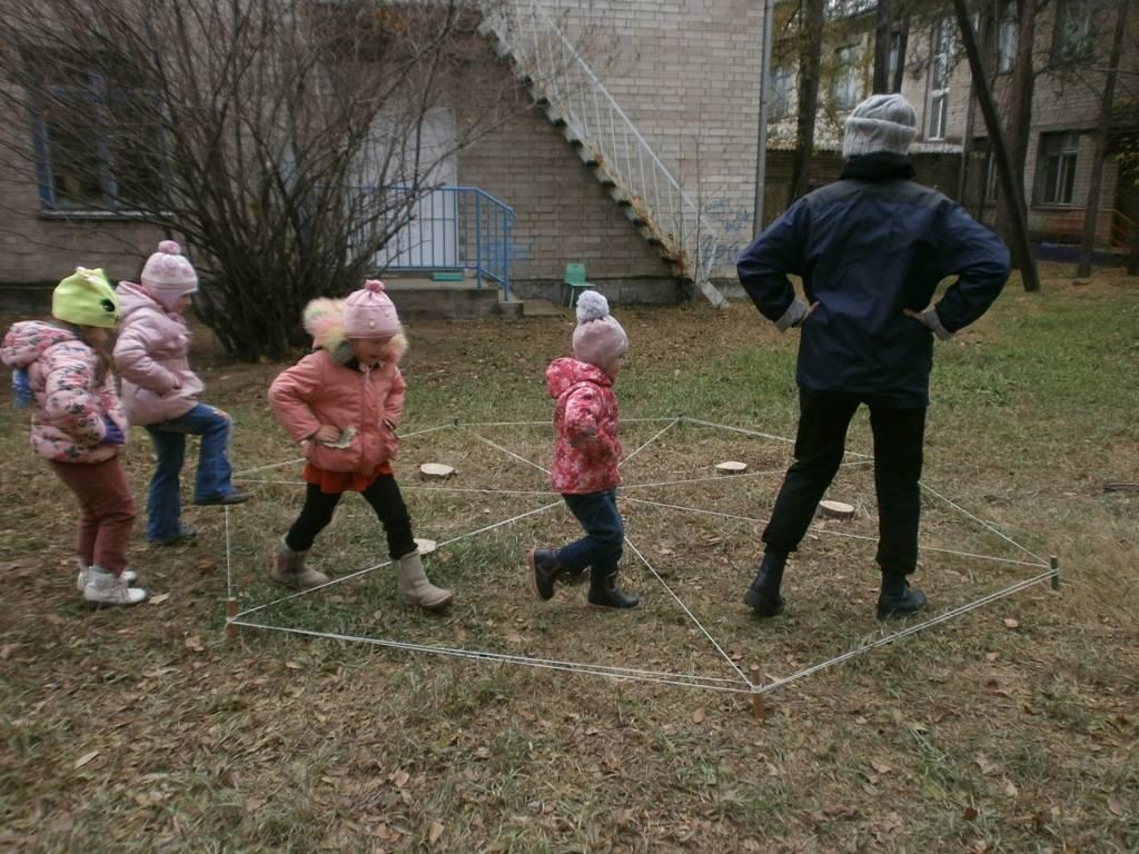 Игры на свежем воздухе в лагере для детей среднего и старшего возраста