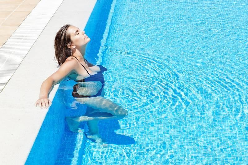 Можно ли беременным ходить в бассейн?