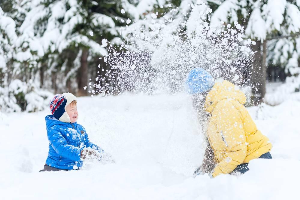 Зимние игры для детей, зимние забавы на улице