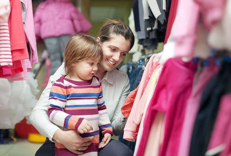 Как выбрать одежду малышу   мама и малыш